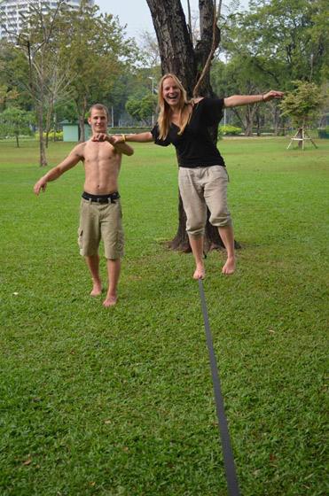 Slackline help in Lumpini Park