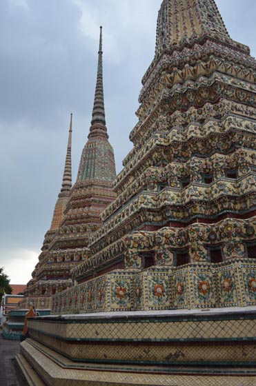 wat pho pagodas