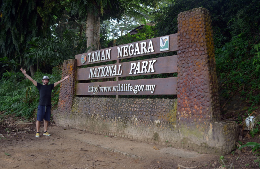 Taman Negara Entrance Sign